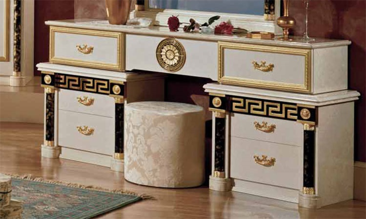 versace yatak odasi modeline ait detay sayfas. Black Bedroom Furniture Sets. Home Design Ideas